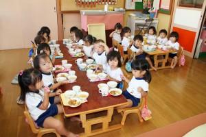 保育園給食2